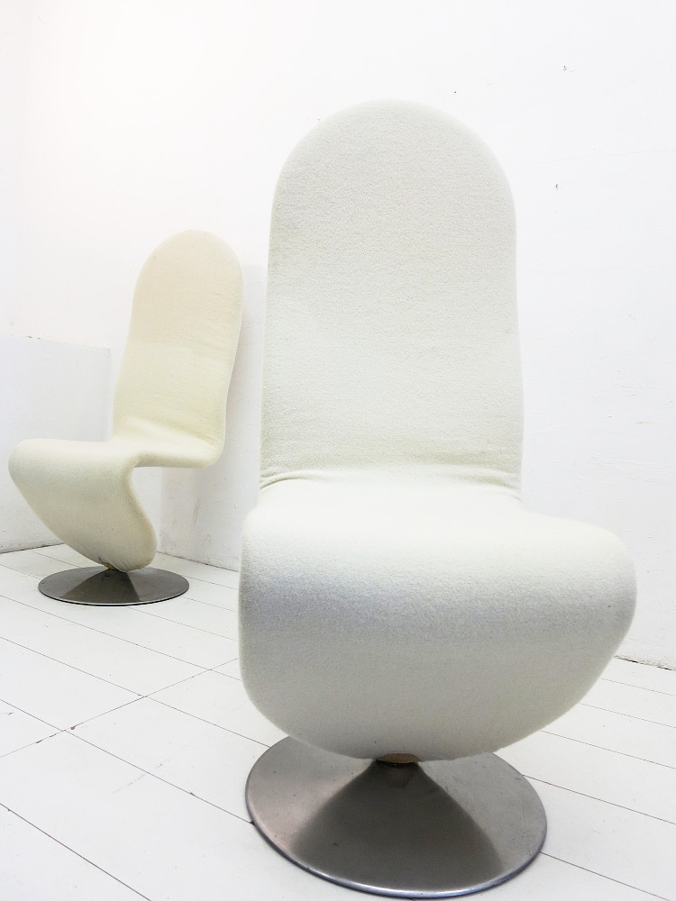 2 High Back 1-2-3 Swivel Chairs Design Verner Panton for Fritz Hansen