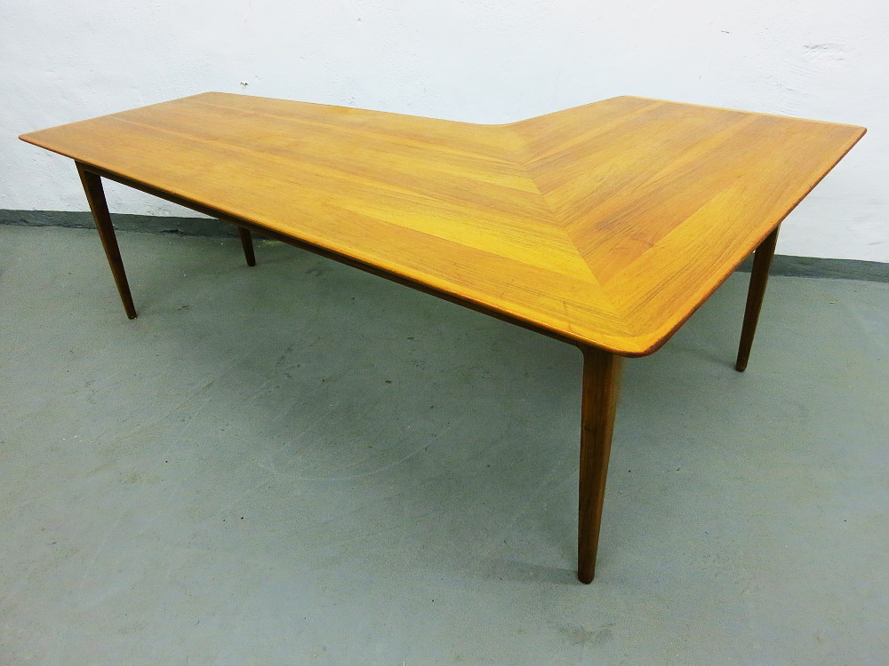 Mid Century L Shaped Coffee Table In Walnut