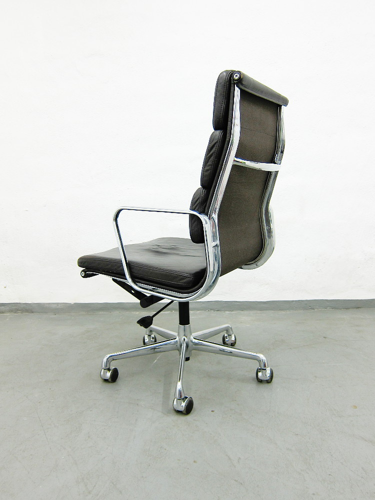 ... Herman Miller Eames Soft Pad Chair Schreibtischstuhl In Dunkelbraunem  Leder ...