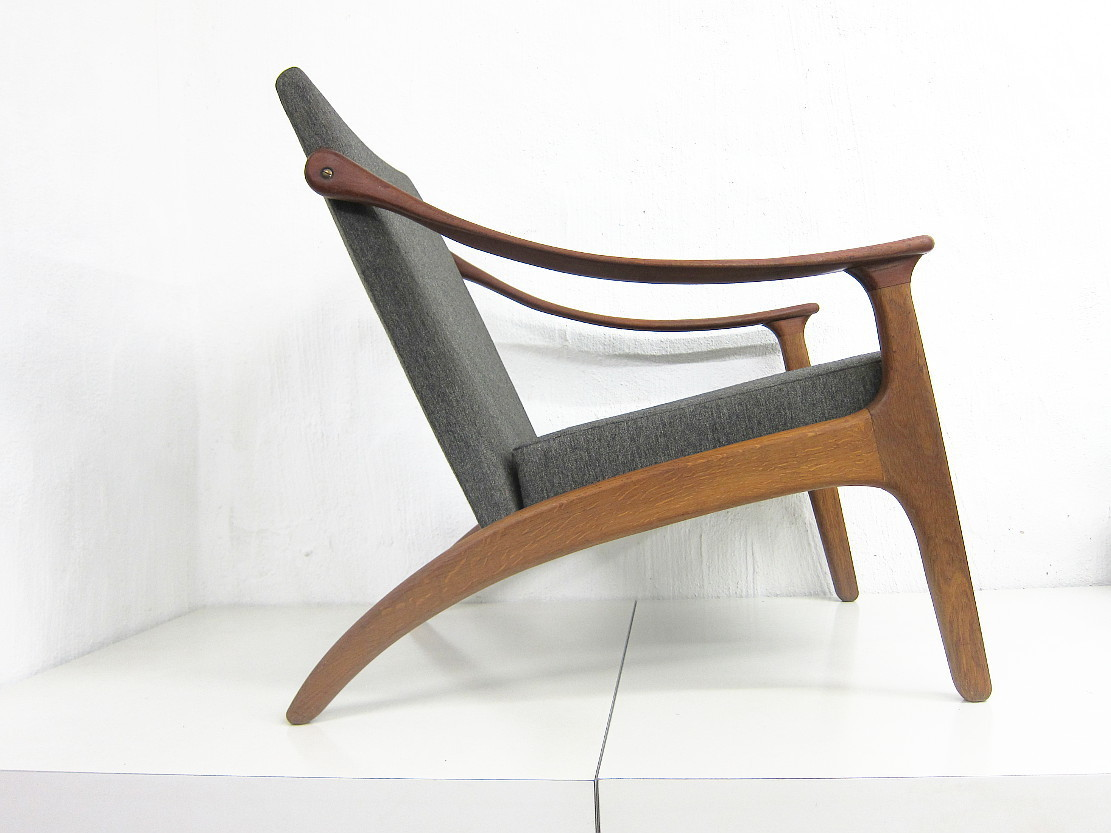 Danish Teaka nd Oak Chair Design Arne Hovmand Olsen